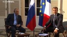 Macron-Poutine : les mains tendues de Brégançon