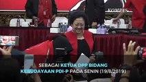 Momen Risma Cium Tangan Megawati di Pelantikannya Sebagai Ketua DPP Bidang Kebudayaan PDIP