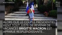 Brigitte Macron sublime malgré son attelle dans une robe bleu ciel !