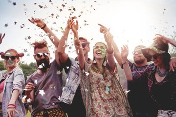 5 Festival Essentials to Pack in Your Bag