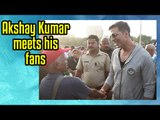 Akshay Kumar meets his fans at Versova Jetty