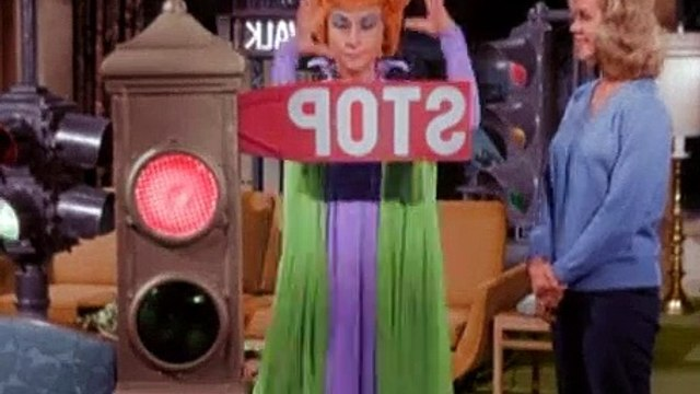 Betwitched Season 1 Episode 23 Red Light, Green Light