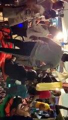 Los migrantes del Open Arms celebran su próximo desembarco