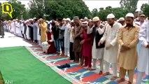 Amid Curfew, Kashmiris Offer Namaz on Eid Al Adha in Srinagar