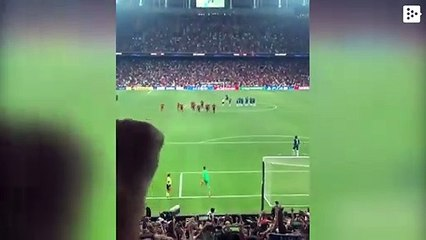 A fan injures Liverpool's goalkeeper in the European Super Cup final