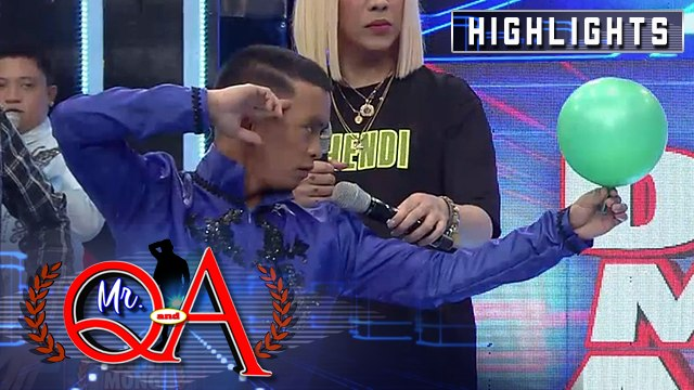 Joseph Jarabe shows off his magic tricks | It's Showtime Mr Q and A