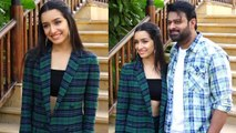 Prabhas & Shraddha Kapoor promotes Saaho in Mumbai; Watch Video | FilmiBeat