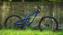 2020 Specialized Enduro - A Mini DH Bike At a Big Price