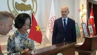 İçişleri Bakanı Süleyman Soylu Vietnam Komünist Partisi üyesiyle görüştü