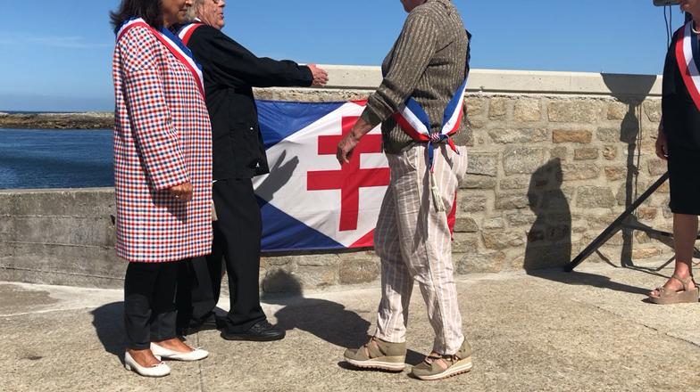 Île-de-Sein. Anne Hidalgo a inauguré l'embarcadère des cinq villes Compagnons de la Libération
