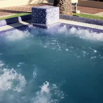 Relaxing Steaming Jacuzzi with Sound
