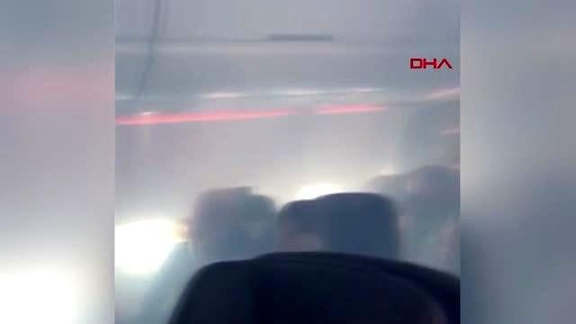 İçerisi dumanla dolan yolcu uçağı acil iniş yaptı 7 yaralı