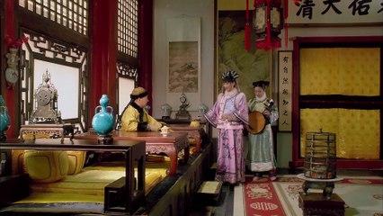 安陵容歹毒面孔显露出来,华妃跪求见皇上,安陵容却让皇上赶走她