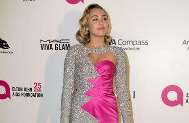 Madonna défend Miley Cyrus contre les détracteurs