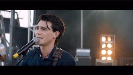 Britt Robertson, K.J. Apa In 'I Still Believe' New Trailer