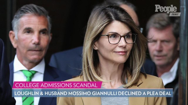 Lori Loughlin's Daughters Olivia Jade & Bella Prefer Staying Home amid Scandal: Source