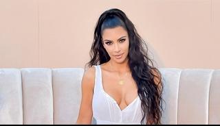 Keeping Up with the Kardashians Season 17 Episode 10 : Engsub TV Series