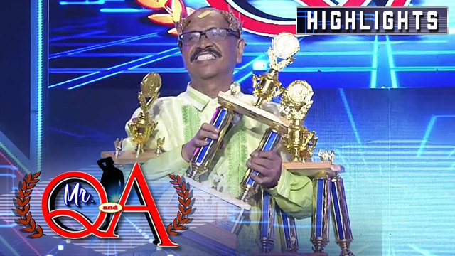Toti Sandoval wins his fourth Mr. Q & A trophy | It's Showtime Mr Q and A