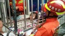 La tête coincée entre des barreaux cette fillette est libérée par des pompiers !