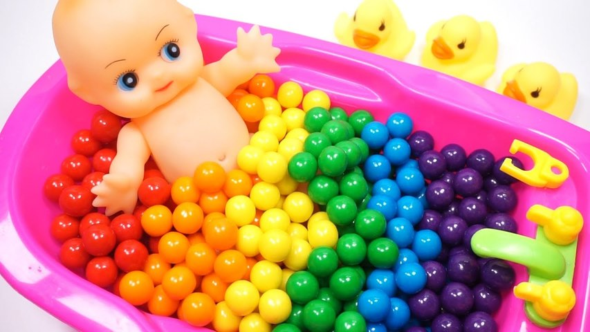 Learn Colors Baby Doll Bubble Gum Bath Time Creative for Kids Video