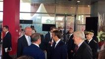 Le Président de la République Emmnauel Macron en visite samedi matin à la halle Iraty avant le début du G7