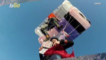Pie in the Sky! Watch the Moment a Skydiver Has Pizza Delivered at 2,000 Feet