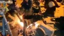 Sorcellerie ? Ils s'assoient sur le feu et y restent !