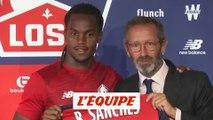 Renato Sanches pose avec le maillot du LOSC - Foot - L1 - Lille