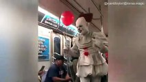 Pennywise impersonator tries to scare people in NEW YORK Subway - IT