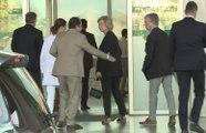 Doña Sofía llega al hospital a visitar al rey Juan Carlos