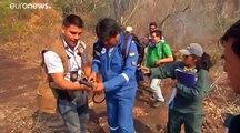 شاهد: الرئيس البوليفي ينضم إلى رجال الإطفاء لإخماد حرائق الغابات في بلاده