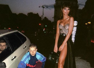 Ce russe s'invente une vie avec Emily Ratajkowski