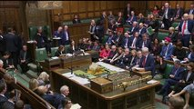 """GB: Opposizione compatta contro Premier. """"Oltraggio"""" blocco Parlamento"""