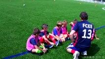 Roses et jaunes à l'écoute des coaches avant l'opposition