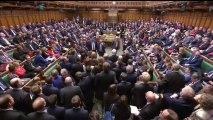 Isabel II aprueba el cese de la actividad parlamentaria