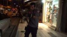 İtfaiye eri kediyi kurtardı elini kurtaramadı... O anlar kamerada