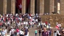 Büyük Zafer'in 97. yıl dönümü - Anıtkabir'e ziyaretçi akını