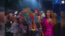 John Travolta confunde a Taylor Swift con una 'drag queen' y casi le entrega por error un premio MTV