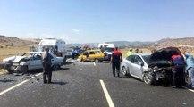 Burdur'da zincirleme trafik kazası: 1 ölü, 9 yaralı