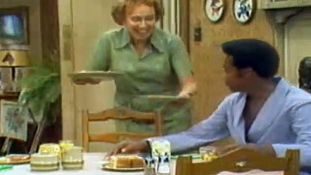 All In The Family Season 5 Episode 5 Lionel The Live-In