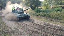Mons. Bonne ambiance à Tank in Mons. vidéo Eric GHISLAIN