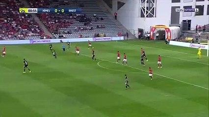 Ferhat buteur face au stade de Brest