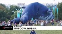 Kite festival fun in Russia despite lack of strong winds
