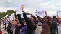 A nők családon belüli védelmét követelik civil szervezetek Franciaországban