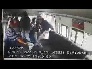 Pasajero salta de combi para evitar asalto en Naucalpan