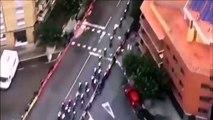 L'hélicoptère qui filme la Vuelta 19 découvre une plantation de marijuana sur le toit d'un immeuble