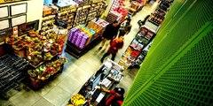 Indignantes imágenes de un desgraciado sintecho negro de 17 años azotado salvajemente por robar chocolates