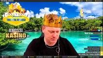 Knossi ouvre un colis surprise sur Twitch