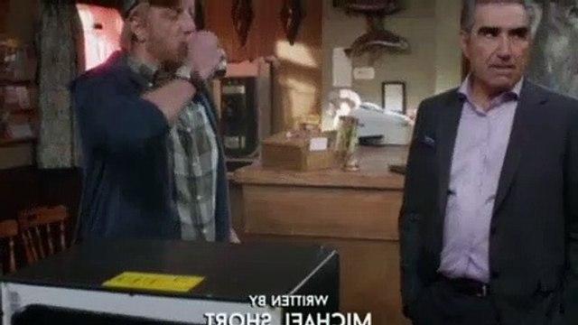 Schitts Creek S04E04 Girls' Night
