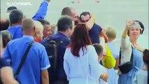 Emotional scenes as Ukraine president welcomes home freed prisoners
